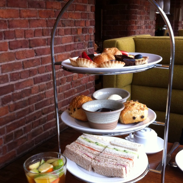 Afternoon tea at the Victoria and Albert Hotel Manchester - http://www.afternoonteaonline.com/uk/manchester/afternoon-tea-marriott-victoria-and-albert-hotel/