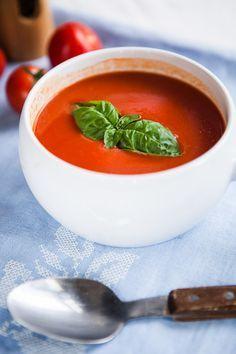 Rajčatová polévka z čerstvých rajčat
