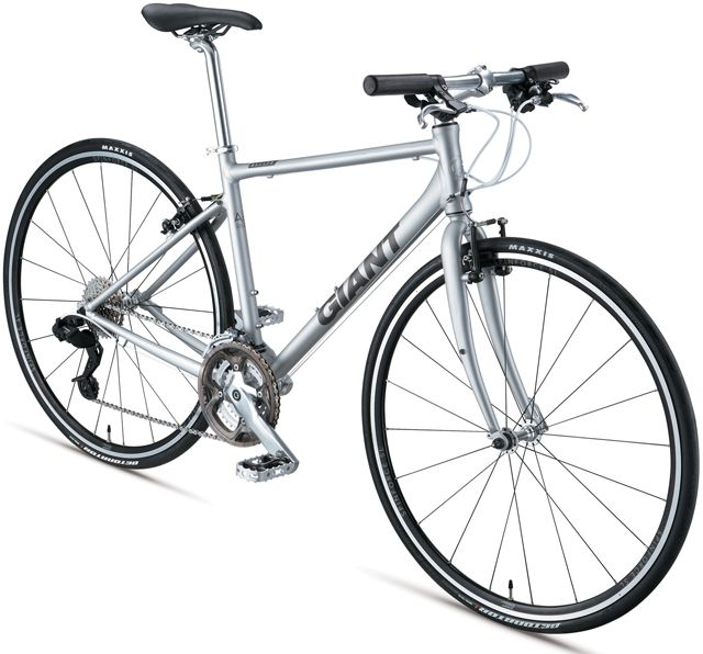 5万円クラスでアンダー10kgの最軽量クロスバイク登場。ジャイアント「ESCAPE AIR」