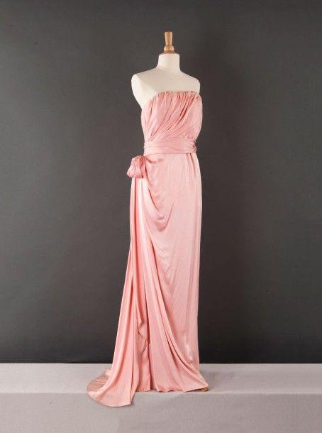 yves saint laurent haute couture n 60518 circa 1988 robe longue du soir en satin rose haut. Black Bedroom Furniture Sets. Home Design Ideas
