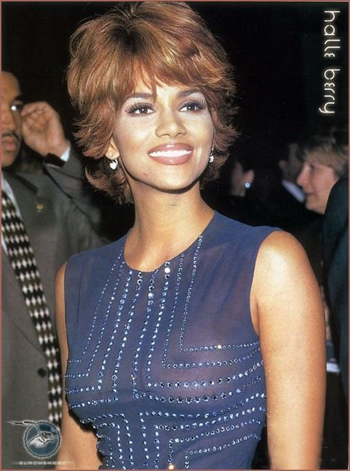 Halle Berry See through Dress | Labels: Halle Berry , oops , see-through
