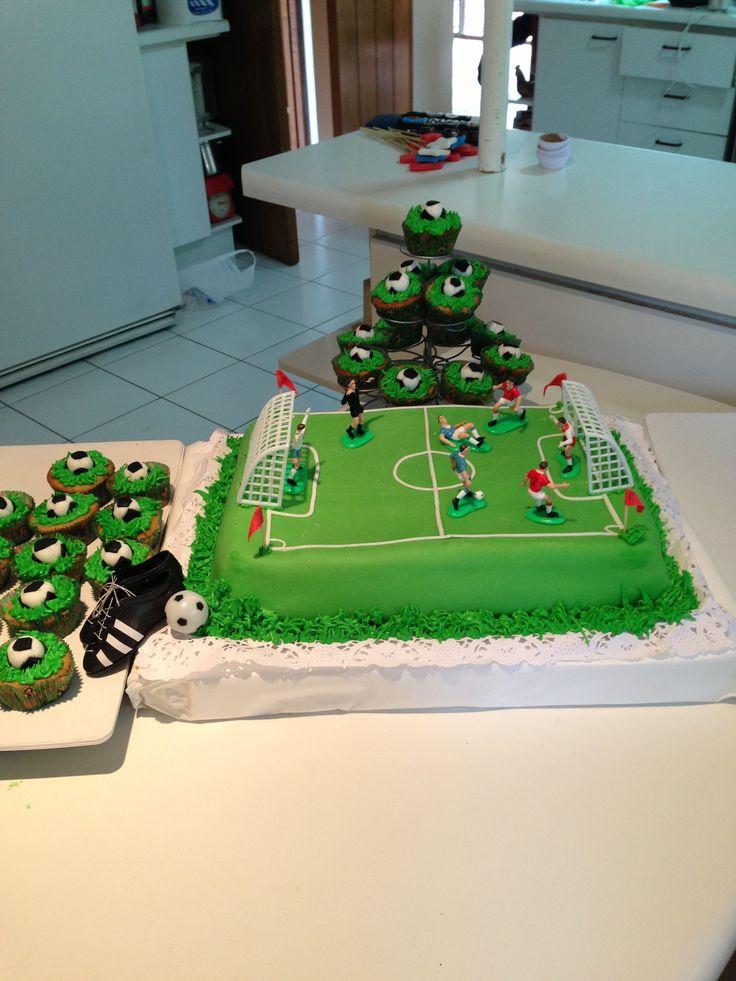 Torta y cupcakes fútbol