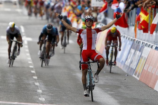 #Ponferrada2014 Men's Elite Road Race: #Ponferrada - #Ponferrada 254.8km photos -#Kwiatkowski celebrates as the other riders fight for the medals!