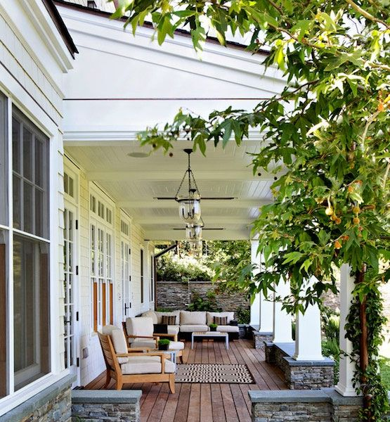There are lots of inspiring design elements in this Beverly Hills porch. Hand-blown Hundi pendant lanterns from Pottery Barn provide light, and recessed heaters are set into the ceiling to warm up chilly nights.