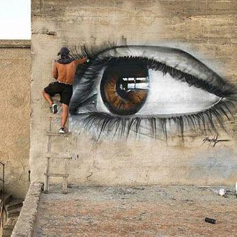 Retouche maquillage... / Street art.
