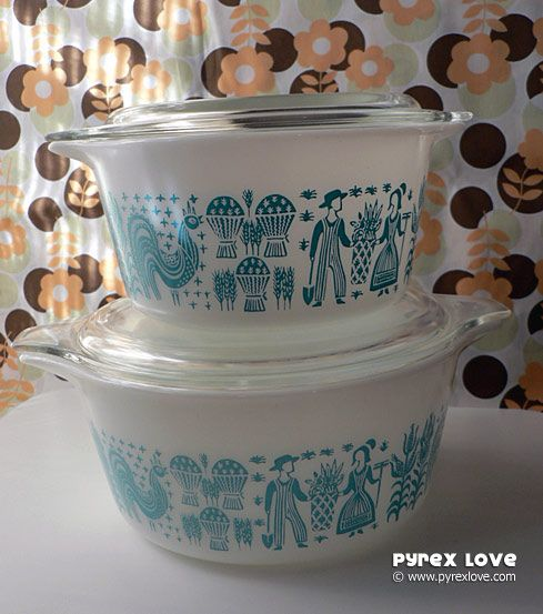 The larger casseroles are #474 and #475 and only come in white with blue