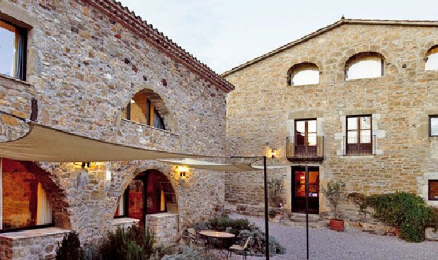 Splendid Catalan farmhouse built in 1622. It is located 1 hour from Barcelona Recently, very carefully, we have restored the old farmhouse of hay to give you some rural tourism accommodations of high quality and comfort. There are eight apartments in a rural independent architectural exceptional. Are well equipped and decorated to maintain the characteristics of the original buildings in the area. A location that ensures an environment of peace.