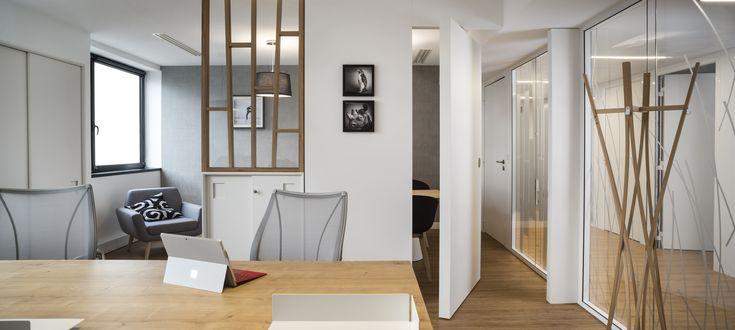 Se sentir bien-être au travail augmente la productivité. Besoin de conseils pour aménager vos #bureaux ? Cliquez ici #aménagements #architecture #décoration #déco #style #mobilier #immobilier #locaux #entreprise #naturel #scandinave #hygge