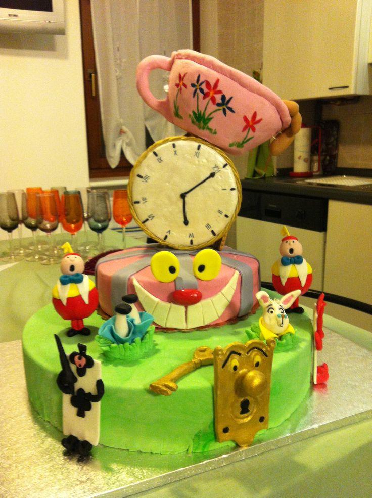Alice nel paese delle meraviglie - Cake Design