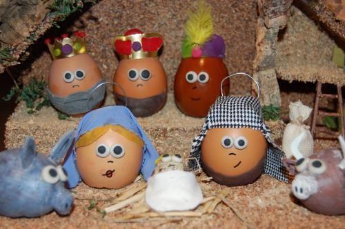 Belen de huevos http://www.taconesserranos.com/wp-content/uploads/2012/12/portal-belen-casero1.jpg