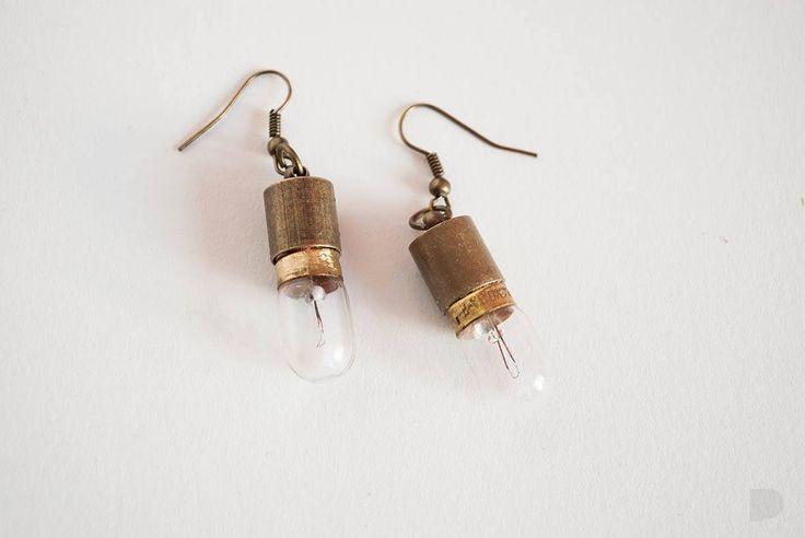 Żarówkowe kolczyki :) Bulb earrings :) #pinka #biżuteria #handmade #jewelry #jewellery #kolczyki #earrings #fashion #modern #conceptual #old #new