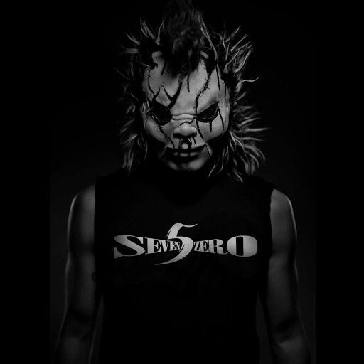 DJ Bl3nd with a #S5Z tee