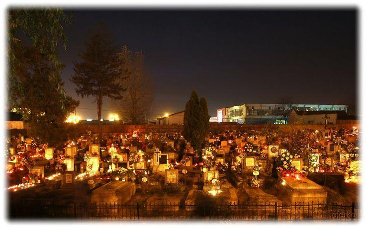Híd melletti temető - Mindenszentek este / Cemetery at All Saints' Day