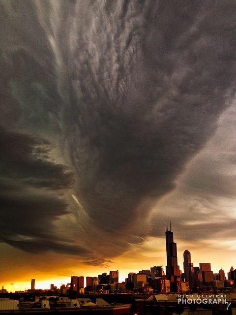 A storm rolls in over Chicago (6.29.12)-Shelf Over Chicago-4 (iPhone) by ChiPhotoGuy on Flickr via Sofwan Arif. Beautiful!