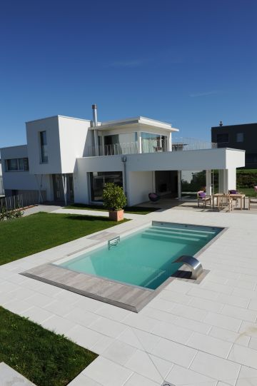 Piscine et maison au design contemporain en Suisse | Haus in 2019 ...