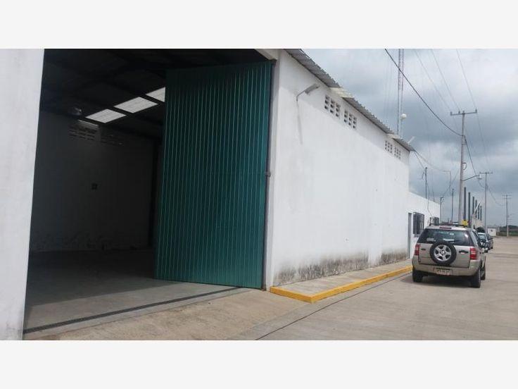 Bodega en renta Anacleto Canabal, 180 m2 SIN OFICINAS, estacionamiento, vigilancia, seguridad las 24 horas, acceso de trailers todo el día y noche $15,000 *MX17-DJ2895*
