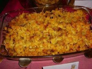 Een heel simpel gerecht uit Vorarlberg (Oostenrijk). De spätzle zijn - voorzover ik weet - in Nederland niet te koop, maar je kunt hiervoor gewoon macaroni...