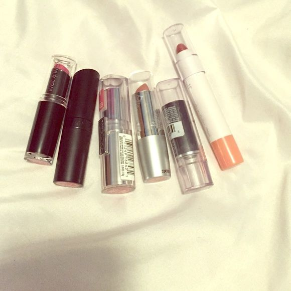 Drugstore Lipstick Bundle Kate Moss edition Rimmel London in Rossetto, Love my lips in Mauve Delight, elf Jumbo lip gloss stick in Summer Nights, wet n wild in mauve outta here, l'oreal in perpetual peach, and wet n wild in breeze Rimmel Makeup Lipstick