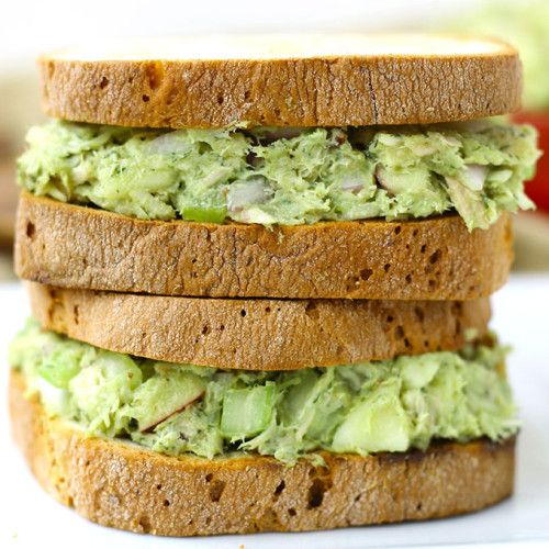 Avocado Tuna Salad- This healthy avocado tuna salad recipe swaps out high fat mayonnaise for high protein and fiber-rich avocado.
