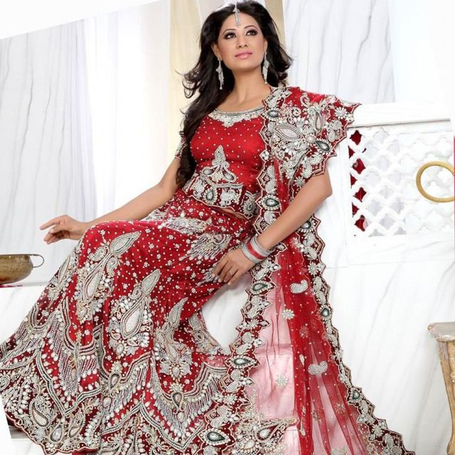 Wedding attire is the most important dress with which lots of dreams are attached of a bride. Color matters a lots when a bride chooses a wedding dress. The option of renting a wedding attire can abet the brides to find the best option from many. Rent2cash can sort out many to help you in getting your desired dress easily.