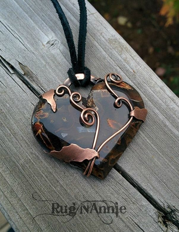 A beautiful Turkish agate cab by Nicole Leigh Schaffner. I felt a simple design was fitting. Sheet copper and wire.