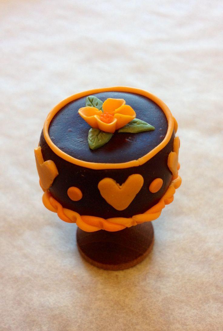 Miniature cake made by Charlotte Sköld