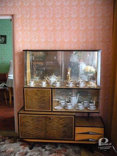 Zdjęcie numer 5 w galerii - 10 przedmiotów z PRL, które musiały się znaleźć w każdym mieszkaniu [PEWEX POLECA]