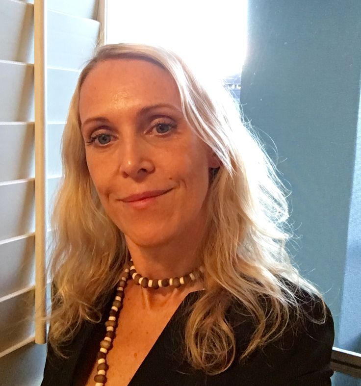Swedish crime fiction author A.C. Efverman. #swedish #crimefiction #authors #books #reading #game #skuggspel #borta #amazon #bestseller #bokseries