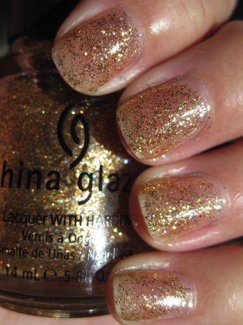 http://www.vampyvarnish.com/wp-content/uploads/2009/10/China-Glaze-Cleopatra.jpg