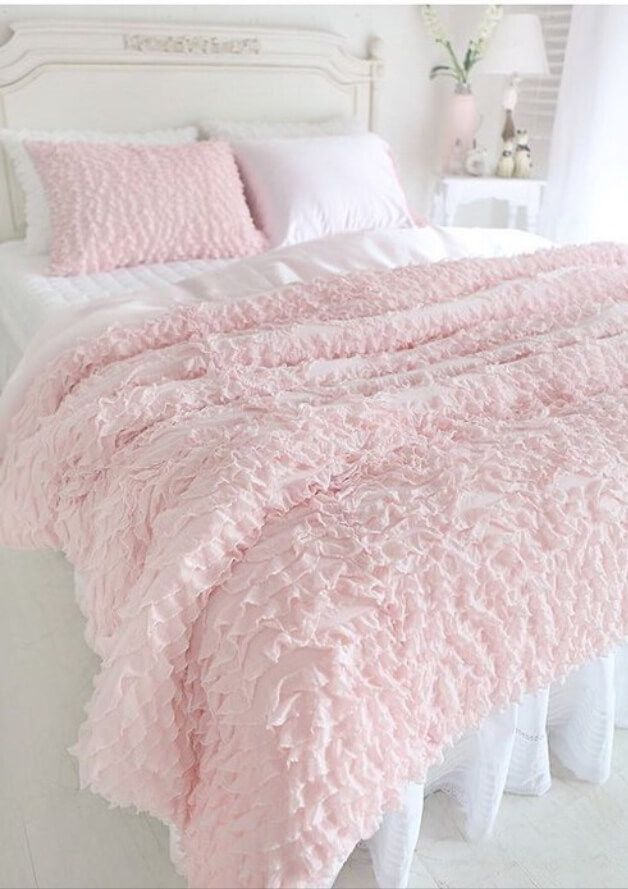 Best 10 shabby chic beds ideas on pinterest romantic for Shabby chic bedspreads comforters