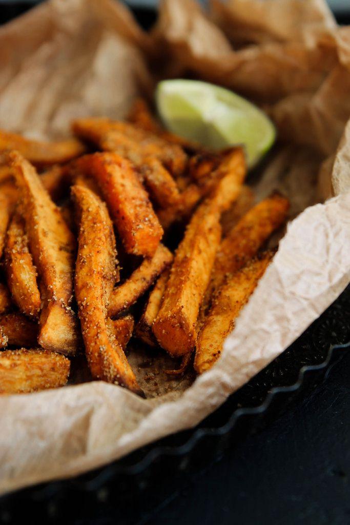 Frites de patate douce et crémeux d'avocat {vegan – sans gluten}
