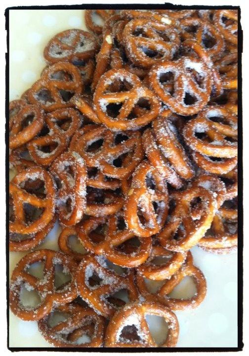 Caroline's Edible Creations: Cinnamon Sugar Pretzels