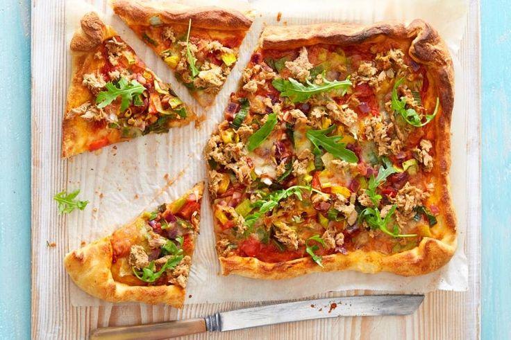 Het recept van de dag is: Plaatpizza met tonijn!