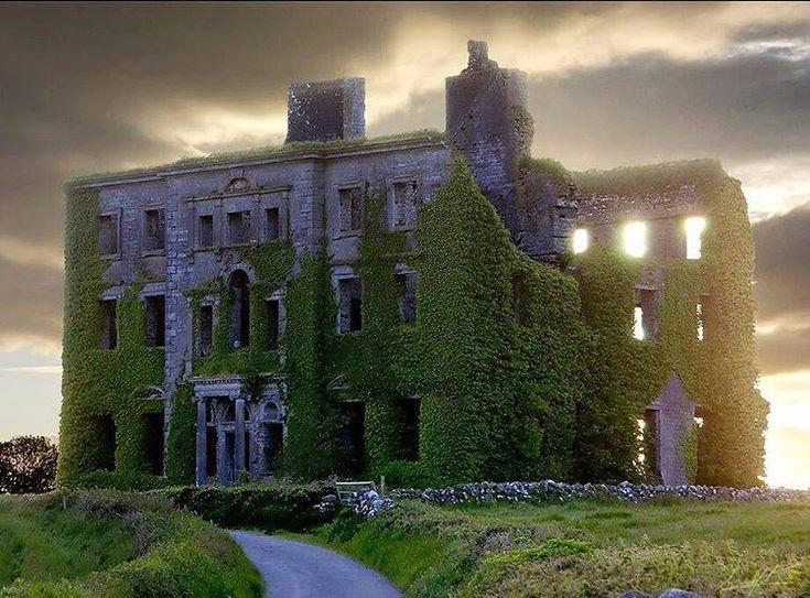 Mansão Abandonada em Galway, Irlanda. Foto Sean Yates