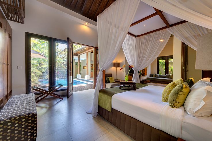 Master bedroom at Villa Solo
