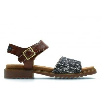 Offering everyday style and comfort, the Clarks Women's Ferni Fame Sandals boast a luxurious suede lining and simple but chic sling back design. An elegant buckle fastening and a mix of leather and patterned fabric uppers provide a charming finish to a lightweight, casual sandal. http://www.marshallshoes.co.uk/womens-c2/clarks-womens-ferni-fame-tan-combi-leather-sandals-p4588