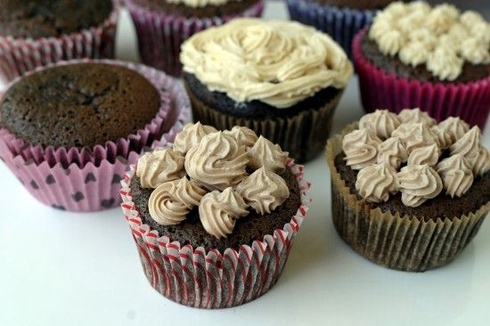 Fluffy Chocolate Cupcakes (using coconut flour)Chocolate Cupcakes, Cupcake Recipes, Chocolates Cupcakes, Chips Cupcakes, Frosting Recipes, Cupcakes Coconut, Flour Cupcakes, Buttercream Frosting, Cupcakes Collection