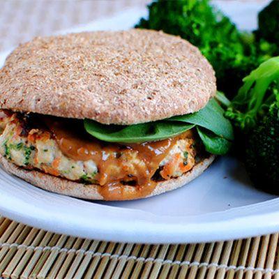 Thai turkey burgersBest Healthy Recipe, Turkey Burgers, Girls Eating, Food, Iowa Girls, Peanut Sauces, Thai Turkey, Shape Magazines, Peanut Butter