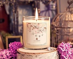 Soy Candle with a beautiful ring inside valued between 25.00 - 7,500.00.