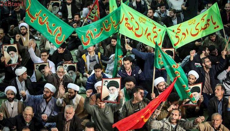 2 mortos em atos contra governo | Iranianos promovem maior onda de protestos no país desde 2009