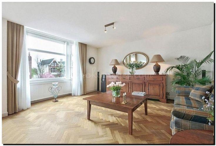grote-ovale-spiegel-boven-dressoir