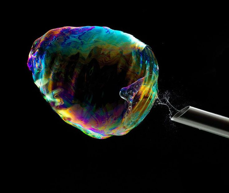 Capturing the Moment a Soap Bubble Bursts
