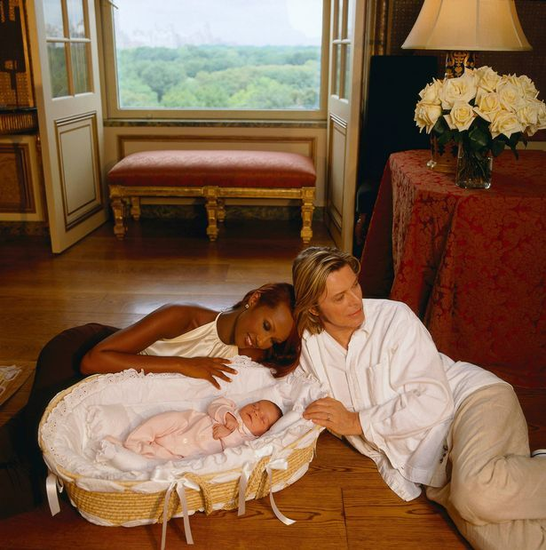 David Bowie picture with wife Iman and their daughter in 2000