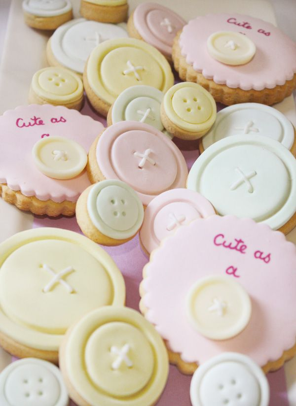 """Cute as a button"" cookies ... this would be a cute dessert for a Baby shower!: Sewing Parties, Buttons Cookies, Vintage Sewing, 1St Birthday, First Birthday, Baby Cookies, Baby Shower Cookies, Desserts Tables, Birthday Ideas"