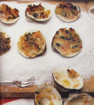 Find the recipe for Clams with Oregano and Bread Crumbs (<em>Vongole Origanate</em>) and other shellfish recipes at Epicurious.com