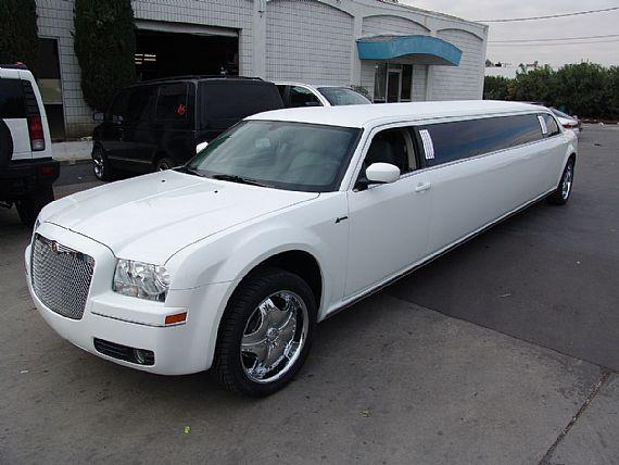 Best 25 Chrysler Limousine Ideas On Pinterest Wedding Limo