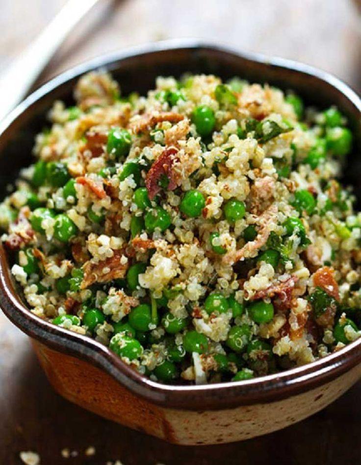 Une salade, green, glam et gourmande qui croustille sous la dent entre graines de quinoa et petits pois frais. Pour une note de fraîcheur, on découpe quelques têtes de coriandre, de persil plat ou de basilic. Les non-végétariens peuvent ajouter des morceaux de poulet grillé!Equilibrée, fra�...