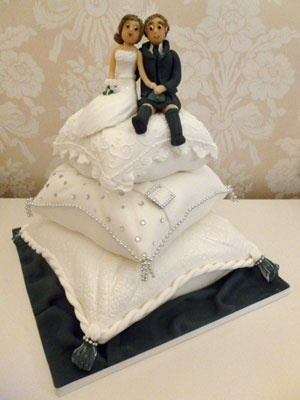 3 Tier Cushion Wedding Cake With Bride And Groom Wedding