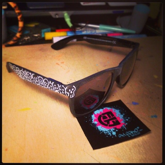 MinimalCustomSunglasses!!! #sunglasses #sun  #skull #minimal #skull #graffkodesign #webstagram #instaminimal