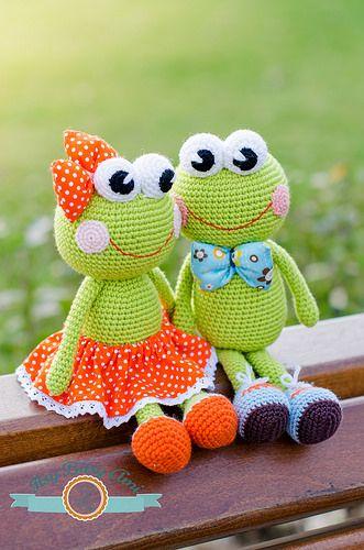 PoesyPascal by ItsyBitsyAmi, amigurumi crochet frogs toys